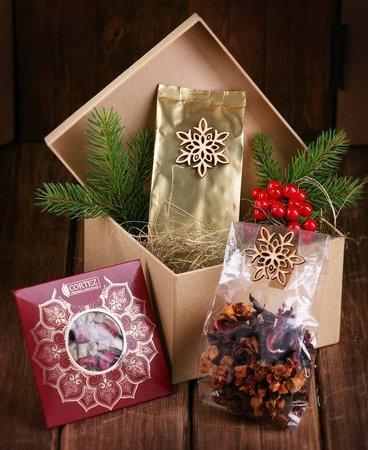 Zestaw prezentowy - Sianko wigilijne z kawą czekoladą i herbatą świąteczną
